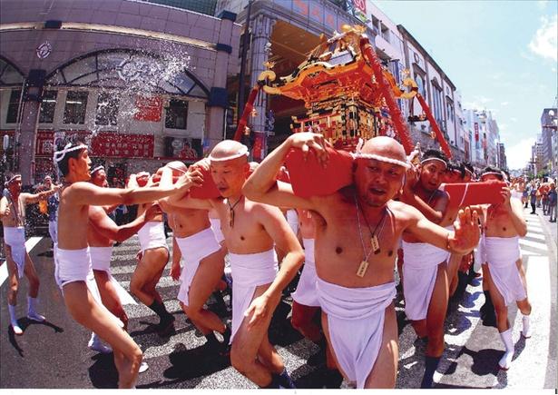 鹿児島祇園祭 おぎおんさぁ / 江戸時代に始まった、鹿児島市内最大の夏祭り