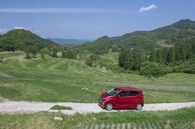 鴨川有数の絶景スポットである大山千枚田。夏の気持ちいい日差しと田植え後の緑を楽しむなら今!な旬スポット