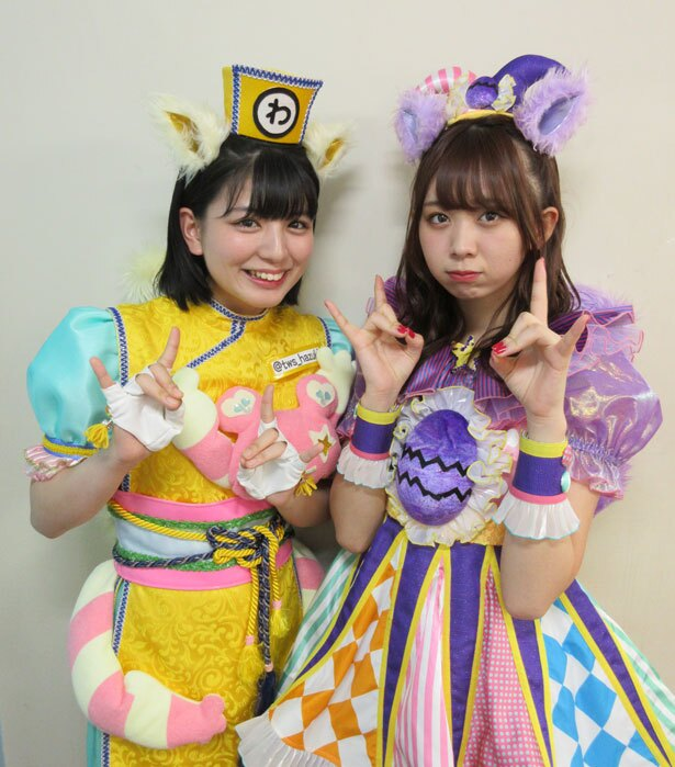 「わーすた」の坂元葉月(左)・松田美里(右)