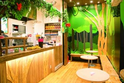 店頭にはカラフルな商品見本をディスプレー/tapioca sweets tutu イオンモールKYOTO店