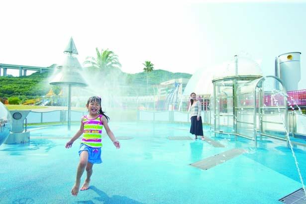 「夢っこランド」にある水遊び場/淡路島国営明石海峡公園