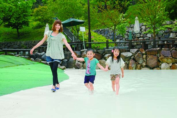 きれいな水でのびのびと遊べるのが魅力/西山公園