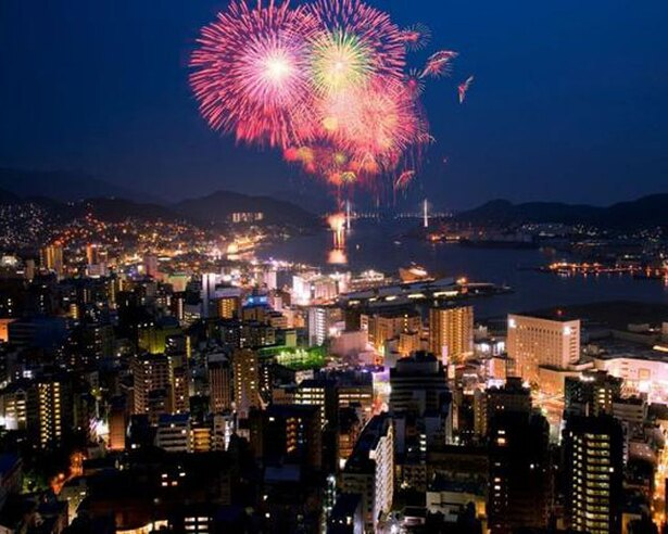 世界新三大夜景と花火が贅沢コラボ / 2019ながさきみなとまつり