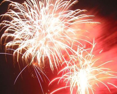 宮崎県の夏祭りトップバッター!4000発が夜空を飾る / えびの京町温泉 夏祭り花火大会