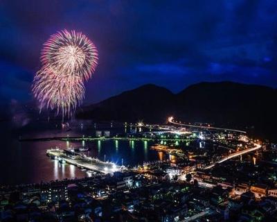【画像を見る】県内最大規模の約1万発  / 油津港まつり2019 花火大会