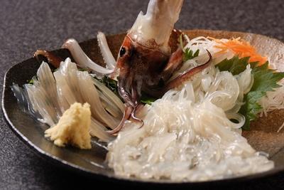「函館海鮮居酒屋 ヤン衆漁場 二代目 昌栄丸」でイカを楽しむ