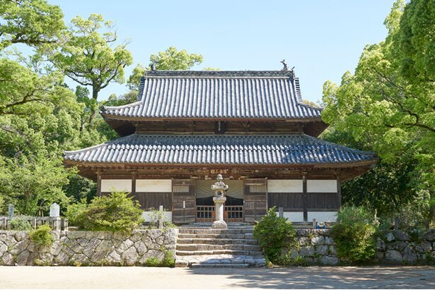 「府の大寺」と呼ばれた古刹 / 観世音寺