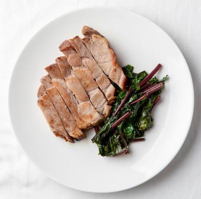 """ホテル日航福岡 カフェレストラン セリーナ / """"洋食&デザートブッフェ""""とあるだけに、スイーツは必食。ステーキは厚めで食べ応えあり※写真はイメージ"""