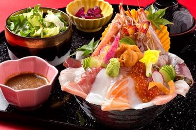 ランチ限定の特上海宝丼(2160円※数量限定) / 博多前 炉ばた 一承 福岡