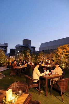Herb Dining「jurer」 /  ホテルの屋上で楽しむ優雅な大人のビアガーデン