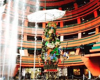 博多祇園山笠 十六番山笠 キャナルシティ博多飾り山笠奉納 / 山笠を上方からも眺められるのはキャナルシティ博多だけ