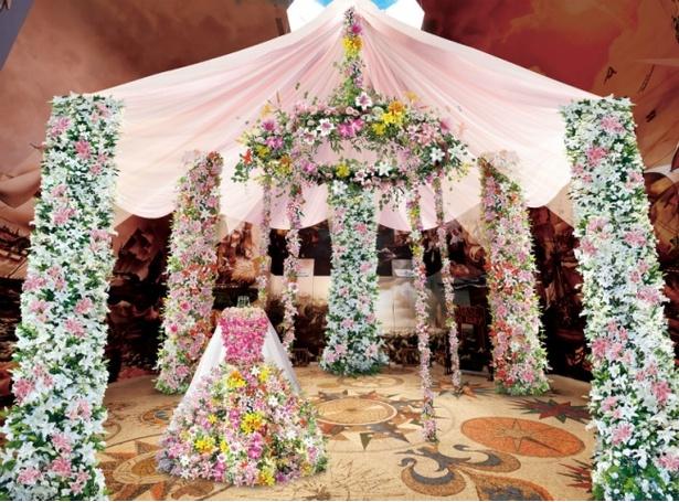 「シンデレラ」をテーマに開催されている、ハウステンボスの「ゆり祭」。「ゆりの舞踏会」をテーマにしたスポットなどが登場 ※写真はイメージ