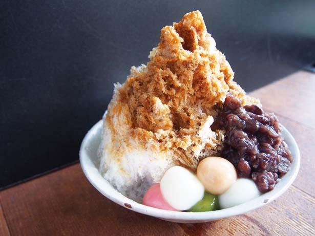 京黒豆のプレミアムきな粉で作ったシロップがかかる田舎氷・きわみ/嵐山のむら
