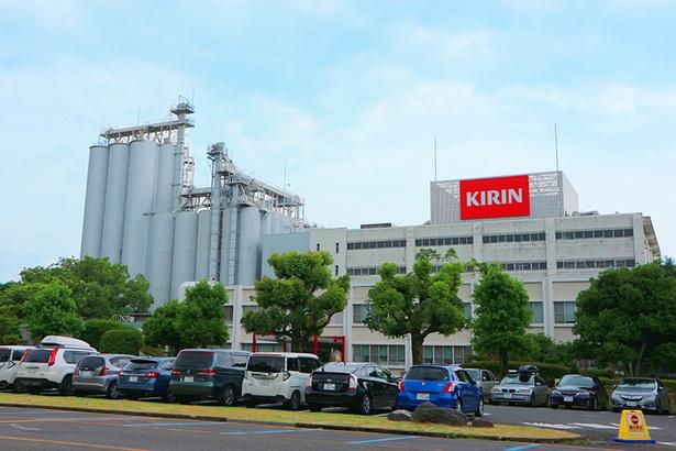 キリンビール滋賀工場では、学んで、楽しめる様々なツアーを開催中!/キリンビバレッジ滋賀工場
