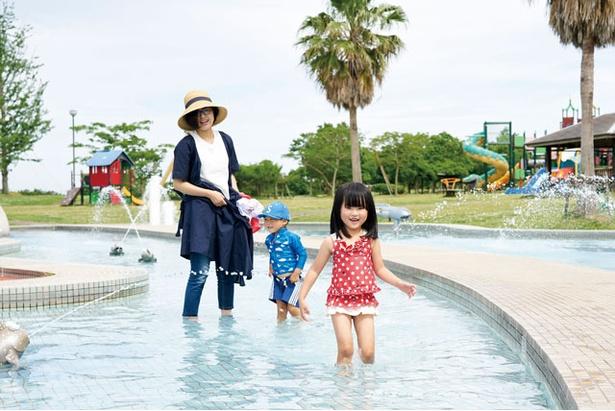 池の水は1日3回消毒を行うので衛生面も心配無用 / 干潟よか公園