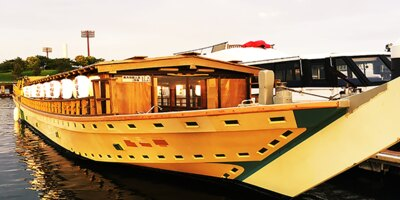 定員約40名の屋形船。お座敷タイプでゆったりと東京湾クルーズが楽しめる