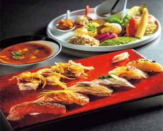 和洋のさまざまな食材を組み合わせたフュージョン寿司をランチで!「c teatro」