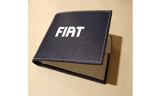 「財布」1万2600円