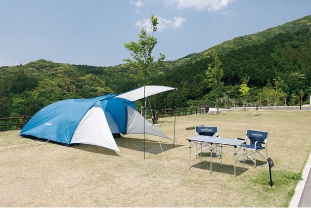 タープ付きのクロノスキャビン4型(3780円)は初心者にぴったり / モンベル五ヶ山ベースキャンプ