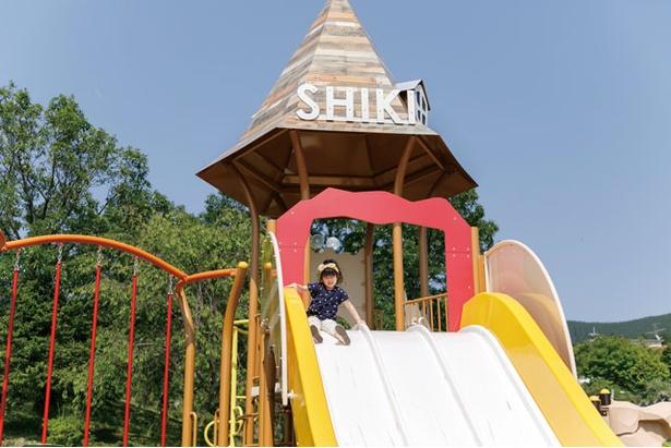 【写真を見る】遊具が充実しているので、子供は大喜び! / 四季の里旭志キャンプ場