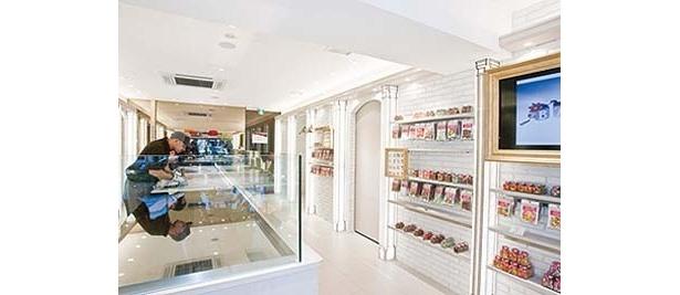 「Candy Artisans The Red Balloon」の店内では、職人によるキャンディ作りも見学できる