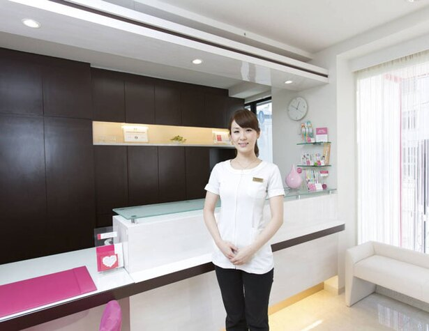 デンタルクリニック桜坂南 / スタッフは全員女性で院長もママ。複数の子連れでも安心して受診可