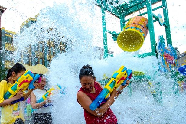 新登場の「360°ビショ濡れ!特別エリア」で最強にびしょ濡れ!