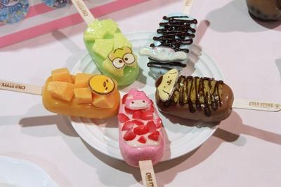 コールドストーンのキャラクターアイスキャンディ(各600円)は、今年初登場の注目デザート