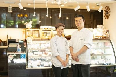 【写真を見る】芹田シェフは一流ホテルで修業を積んだキャリアを持つ実力派