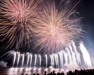 昼は多彩なイベント、夜は最新花火を満喫!「第41回芦屋サマーカーニバル」の観覧エリア情報