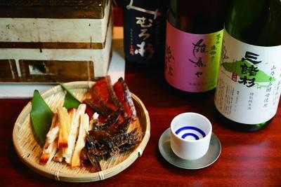 究極のさきイカ、鮭とば、ほたるいか丸干し(各504円)/魚と焼 参五八