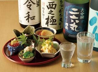 80種類以上の日本酒が飲み放題!発酵食材との組み合わせも楽しい「日本酒×発酵 八光(はちみつ)」
