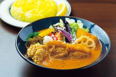 豚角煮ベジカレー+ココナッツスープ、納豆トッピング(1340円)/SAPPORO SOUP CURRY JACK