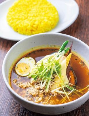 ひき肉とチーズのスープカリー(980円)/札幌スープカレー イエロースパイス 北堀江店