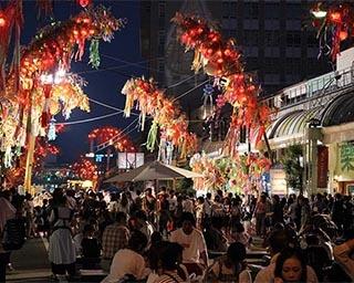 街が七夕一色に染まる「高岡七夕まつり」