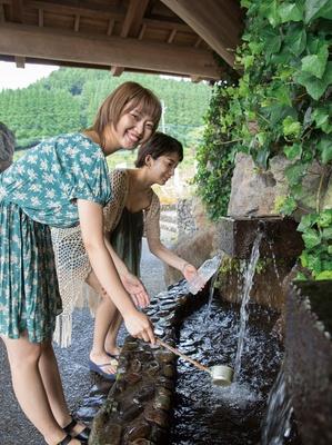 水の駅おづる / 水温15度前後の軟水で口当たりがまろやか。県内トップクラスのミネラル含有量を誇る名水だ