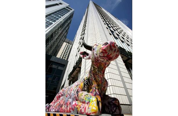 オフィス街がアート空間に変身(06年開催時)