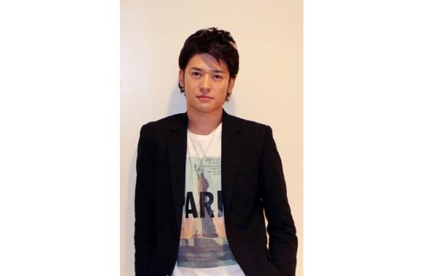 ジャケットを着た高岡蒼甫が最高にかっこいい