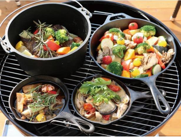 食事付きプランはスキレット料理(写真)とバーベキューから選ぶことができる