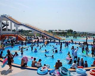 海水を使用したプール!富山県魚津市のミラージュプールがオープン