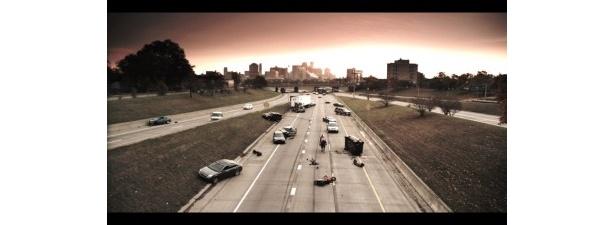 世界規模の停電と同時に人類が消失してしまった世界を舞台にしている