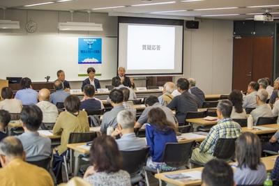 前回の講座(2019年6月開催、テーマは「横浜とクルーズ客船」)の風景。100人近い受講者が集まり、横浜港とクルーズ客船の関わりについて多角的な意見が飛び交った