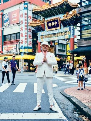 横浜中華街は、時空の歪みを感じてグッとくるという横山剣