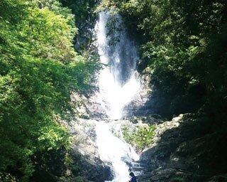 マイナスイオンが気持ちいい!滝に癒される福岡県北九州市のドライブスポット