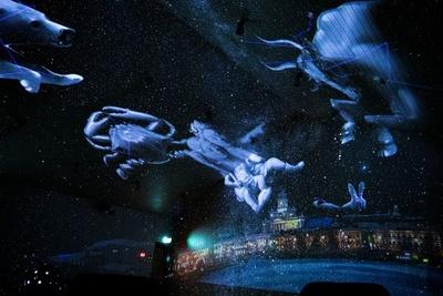 【写真】次々に映し出される星座