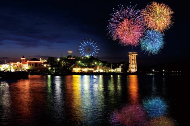 遊園地を華麗に染め上げる打ち上げ花火/「浜名湖パルパル」
