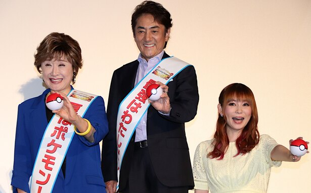 MCを担当した中川翔子、レジェンド対決を見届けた!