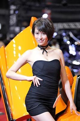 「メガスーパーカーモーターショー2019inマリンメッセ福岡」で見つけた美女