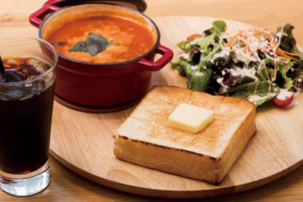 スーププレート 自家製ミネストローネ(1400円)/高級食パン専門店 嵜本ベーカリー カフェ