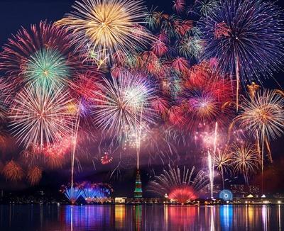 第7回 ハウステンボス・九州一花火大会 / 迫力満点の景色が視界いっぱいに広がる